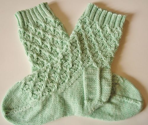 Socks and yarn 016