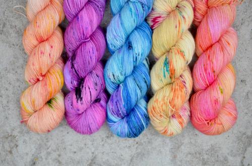 Long dog yarn colors